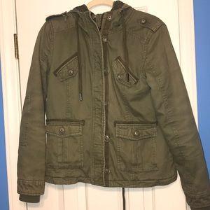 ⭐️ 5 for $25 ⭐️.  Garage Coat Size Medium